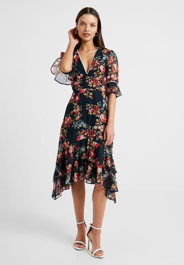 FLUTED SLEEVE MIDI WITH CUT OUT - Cocktailjurk - navy
