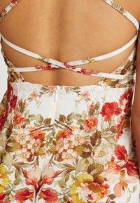 Hope & Ivy Petite - UP BACK MAXI WITHTRIM - Maxi dress - cream - 5