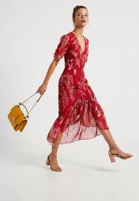 Hope & Ivy Petite - BUTTON FRONT DROP HEM MIDI DRESS - Day dress - red - 2