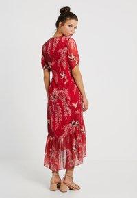 Hope & Ivy Petite - BUTTON FRONT DROP HEM MIDI DRESS - Day dress - red - 3