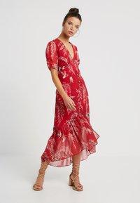 Hope & Ivy Petite - BUTTON FRONT DROP HEM MIDI DRESS - Day dress - red - 0