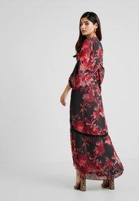 Hope & Ivy Petite - WRAP MAXI DRESS WITH TRIM DETAILS - Abito da sera - anthrazit/red - 3
