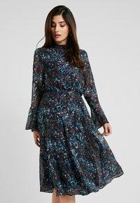 Hope & Ivy Petite - HANKY HEM MIDI DRESS WITH SLEEVE - Cocktail dress / Party dress - blue - 0