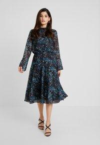 Hope & Ivy Petite - HANKY HEM MIDI DRESS WITH SLEEVE - Cocktail dress / Party dress - blue - 2