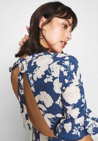 Hope & Ivy Petite - Day dress - dark blue - 3