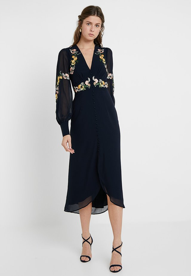 EMBROIDERED BUTTON FRONT MIDI - Freizeitkleid - navy