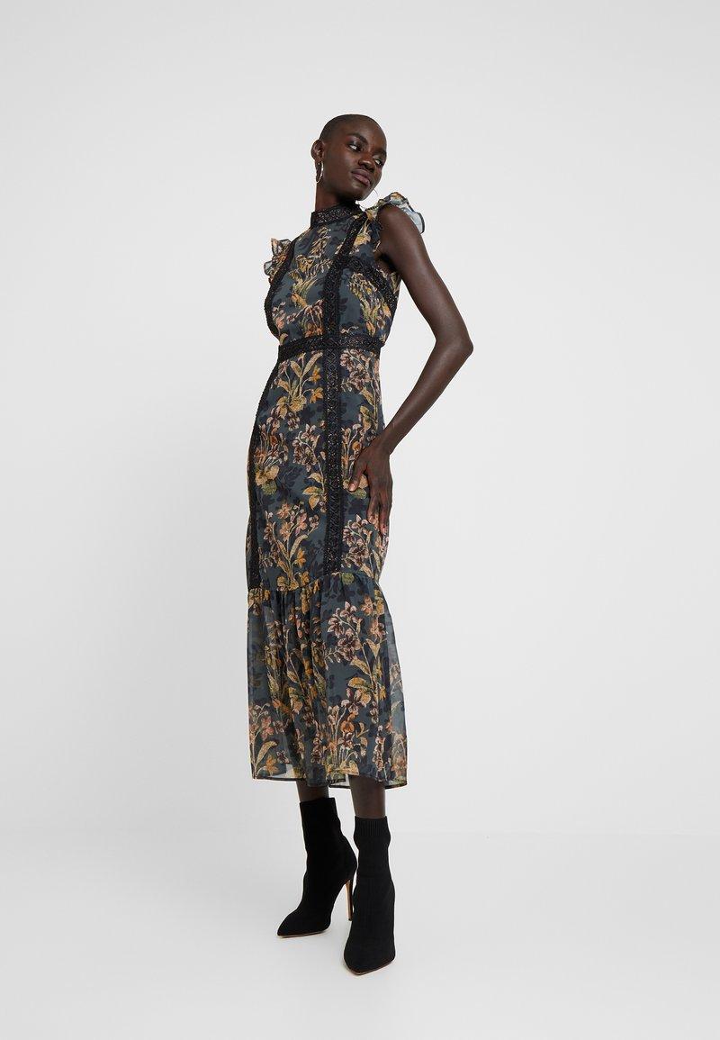 Hope & Ivy Tall - PENCIL DRESS WITH DROP HEM AND TRIMS - Day dress - black/ochre