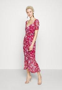 Hope & Ivy Tall - Koktejlové šaty/ šaty na párty - dark red - 2