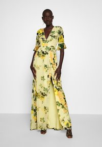 Hope & Ivy Tall - FLUTED SLEEVE OPEN BACK MAXI - Robe longue - yellow - 1
