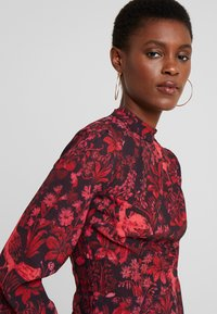 Hope & Ivy Tall - BLACK TOPTALL - Blouse - black/red - 3
