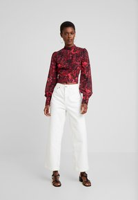 Hope & Ivy Tall - BLACK TOPTALL - Blouse - black/red - 1