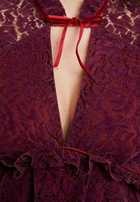 Hope & Ivy Maternity - PEPLUM DRESS WITH TRIMS - Shirt dress - bordeux - 7