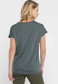 Houdini - ACTIVIST MESSAGE TEE - T-shirt imprimé - deeper green/dogood - 2