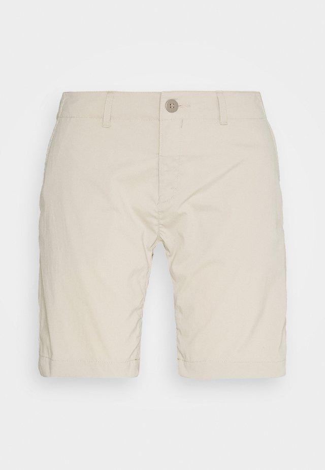 LIQUID ROCK - Outdoor shorts - hay beige