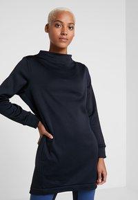 Houdini - ANGIE TUNIC - Sweatshirts - true black - 0