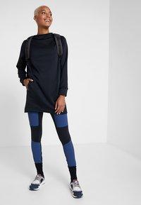 Houdini - ANGIE TUNIC - Sweatshirt - true black - 1