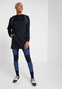 Houdini - ANGIE TUNIC - Sweatshirts - true black - 1