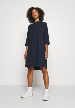 ROUTE SHIRT DRESS - Urheilumekko - blue illusion