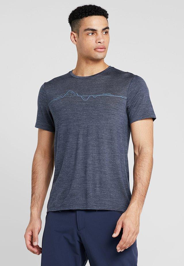 ACTIVIST MESSAGE TEE - T-shirt con stampa - bucket blue