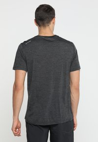 Houdini - ACTIVIST TEE - T-shirt basique - true black - 2