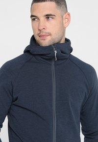 Houdini - OUTRIGHT HOUDI - Fleece jacket - cloudy blue - 4
