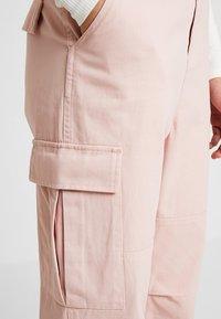 Honey Punch - CARGO - Stoffhose - pink - 4