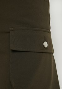 Honey Punch - CARGO TROUSERS - Pantaloni - khaki - 5