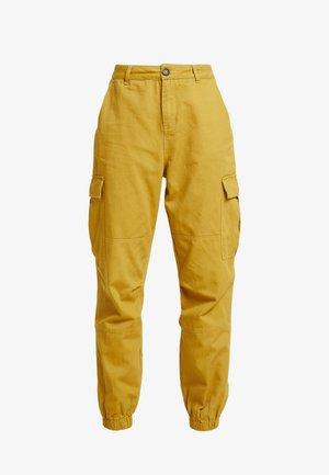 JOGGER PANTS WITH - Pantalones - mustard