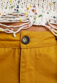 Honey Punch - JOGGER PANTS WITH - Bukse - mustard - 6