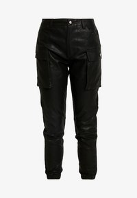 Honey Punch - JOGGER PANTS WITH CARGO POCKET DETAIL - Trousers - black - 5