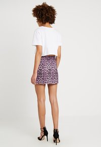 Honey Punch - LEOPARD SKIRT WITH FRONT ZIPPER - Mini skirt - purple - 2