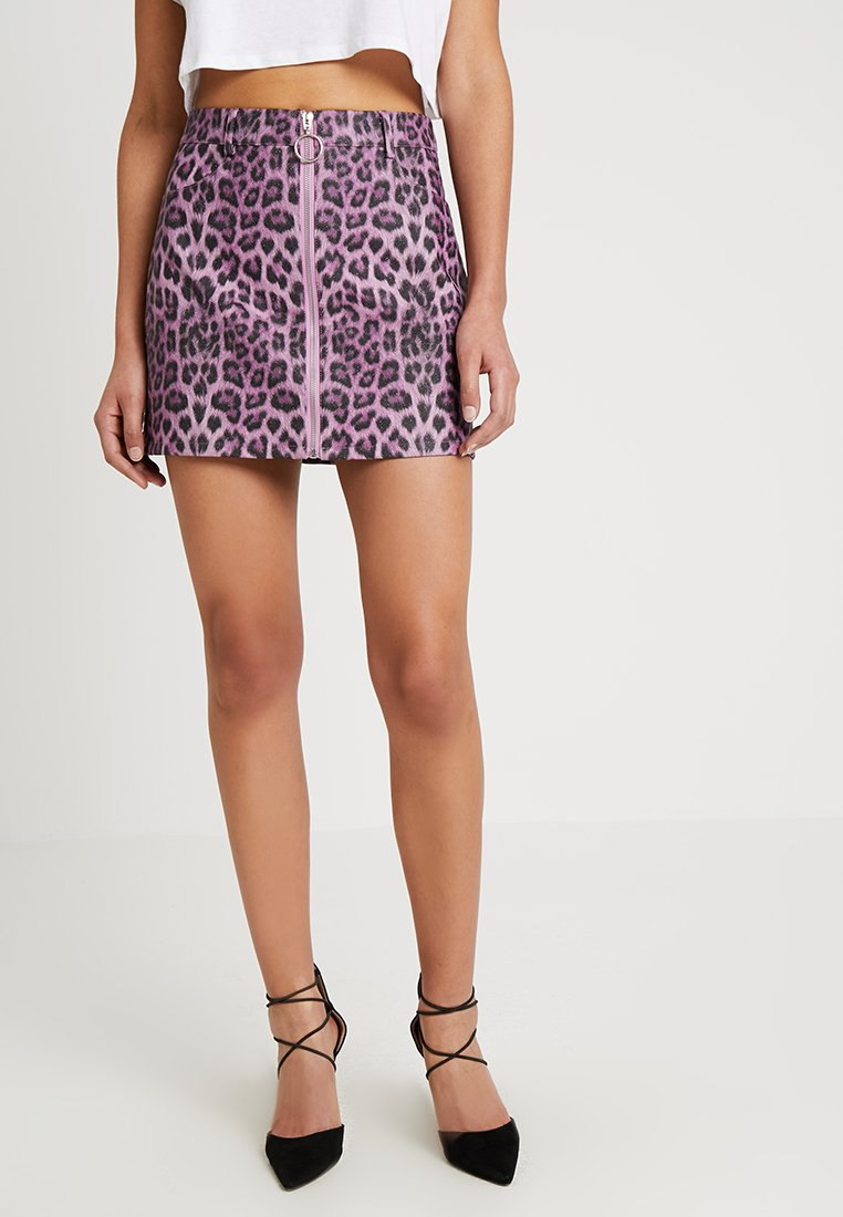 Honey Punch - LEOPARD SKIRT WITH FRONT ZIPPER - Mini skirt - purple