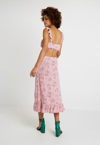 Honey Punch - PATTERNED SKIRT WITH BUTTON DETAIL AND FRONT SLIT - Maxi skirt - mauve - 2