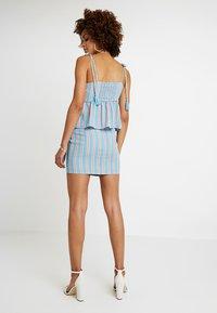 Honey Punch - PATTERNED WRAP SKIRT - A-line skirt - light blue multi - 2