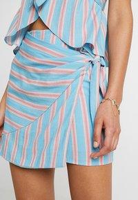 Honey Punch - PATTERNED WRAP SKIRT - A-line skirt - light blue multi - 4