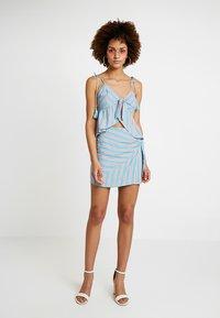 Honey Punch - PATTERNED WRAP SKIRT - A-line skirt - light blue multi - 1
