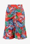 Honey Punch - PATTERNED SKIRT WITH RUFFLE - Minifalda - red multi