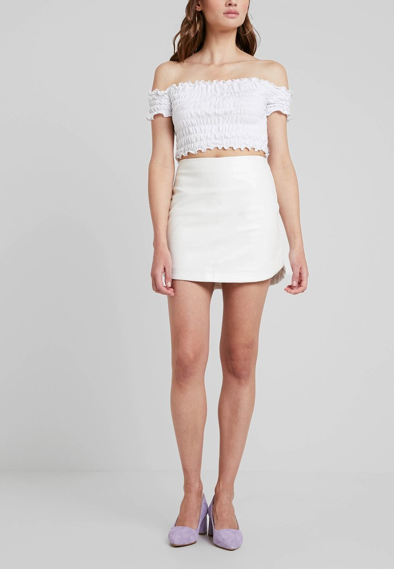 Honey Punch - ROUND HEM - A-line skirt - white