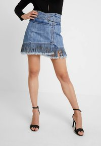 Honey Punch - FRINGE KNOT PAPERBAG SKIRT - Áčková sukně - blue denim - 0