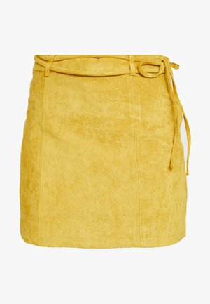 HIGH WAISTED MINI WITH WAIST BELT DETAIL - Mini skirts  - mustard