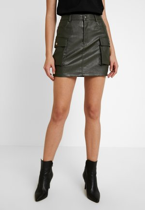 SKIRT WITH CARGO POCKET DETAIL - Minisukně - olive