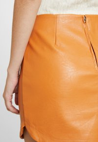 Honey Punch - SKIRT - Minijupe - rust - 5