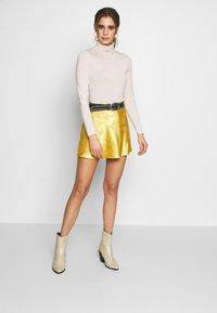 Honey Punch - CIRCL - A-snit nederdel/ A-formede nederdele - gold - 1