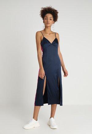 SIDE STRIPE DRESS - Denní šaty - navy