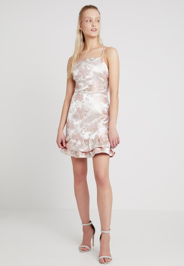 RUFFLE DRESS WITH CROSS BACK STRAPS - Cocktailklänning - ivory