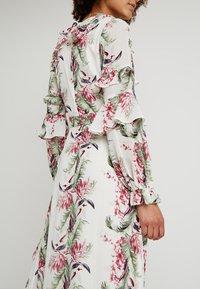 Honey Punch - FLORAL RUFFLE DRESS - Maxi dress - ivory - 5