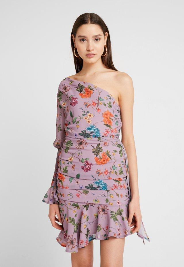 ONE SHOULDER FLORAL DRESS - Cocktailkjoler / festkjoler - lavender