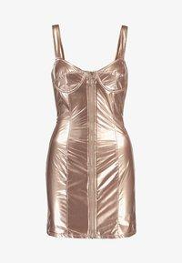 Honey Punch - METALLIC BODYCON DRESS WITH FRONT ZIPPER - Koktejlové šaty/ šaty na párty - bronze - 4