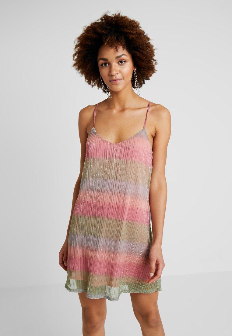 Honey Punch - SPAGHETTI STRAP STRIPE DRESS - Day dress - pink