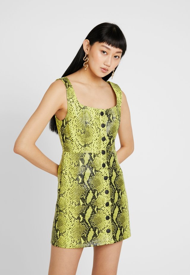 SNAKE BUTTON FRONT DRESS - Vestido camisero - green